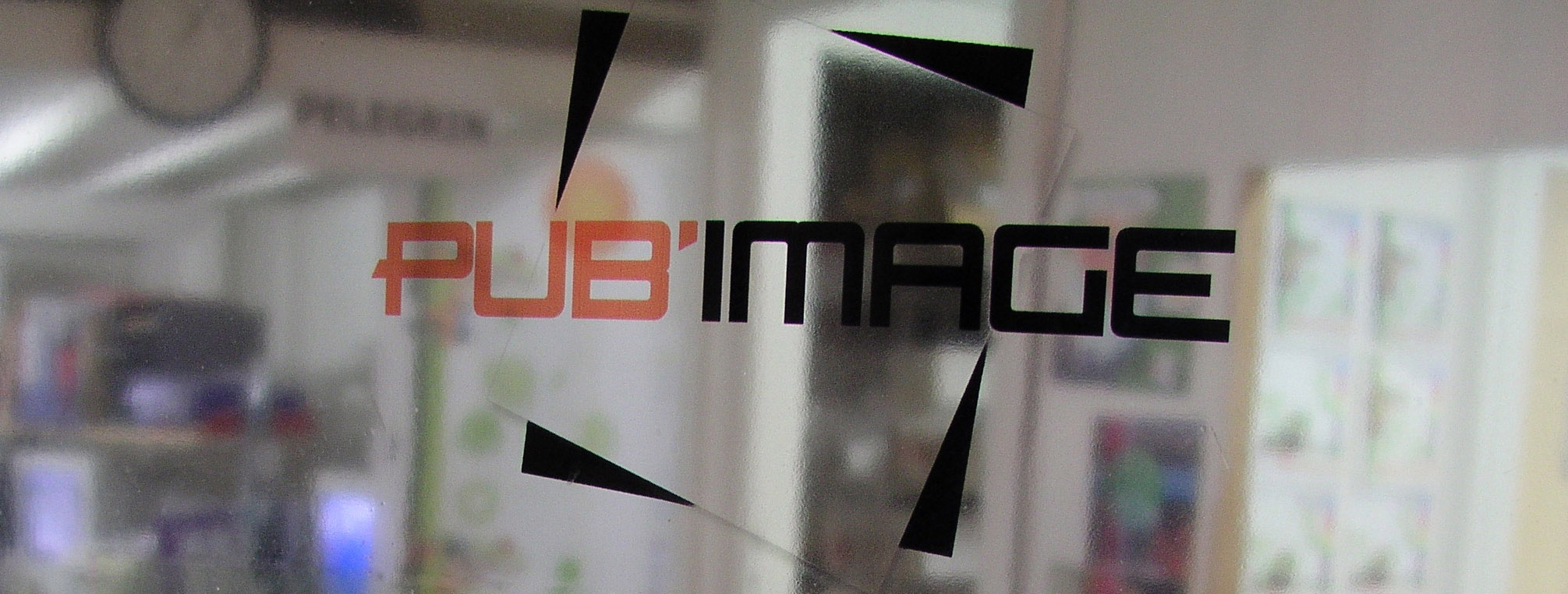 logo pubimage imprimé sur adhésif transparent